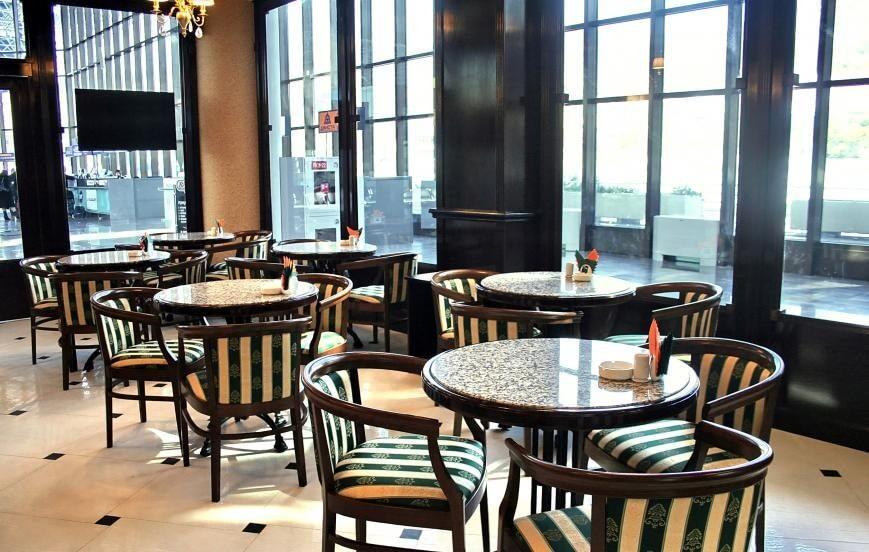 Как выбрать столы и стулья для кафе, ресторана?